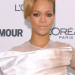 rihanna-glamour-women-of-the-year-award-motions
