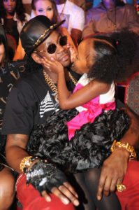 2+Chainz+BET+Hip+Hop+Awards+2012+Audience+MP616n-50eXl