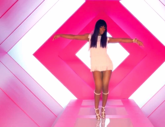 Kelly Rowland wears Alexander Wang Marc Jacobs