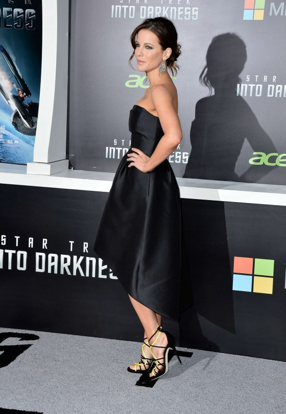 Kate-Beckinsale---Star-Trek-Into-Darkness-premiere--05-560x809