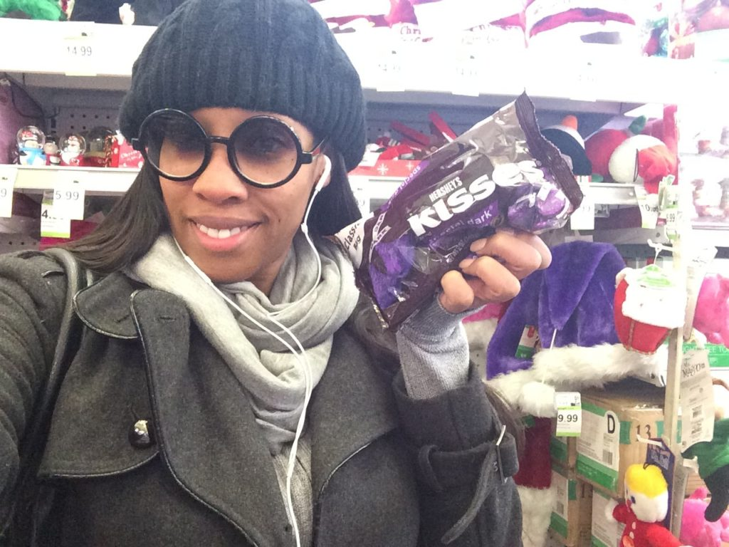 Holiday Happiness With HERSHEY #DReadeHSY #cbias #shop