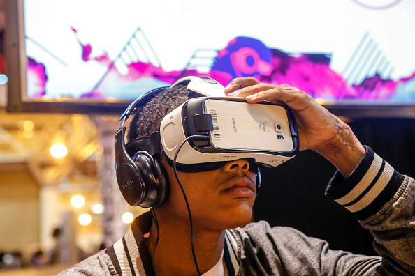 ESSENCE festivalgoers attend Samsung at the 2015 ESSENCE Festival on July 3, 2015 in New Orleans, Louisiana.  (Photo by Skip Bolen/Getty Images for Samsung)