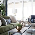 sh2016_living_room_wide_sofa_coffee_table_chair_h.jpg.rend.hgtvcom.966.644