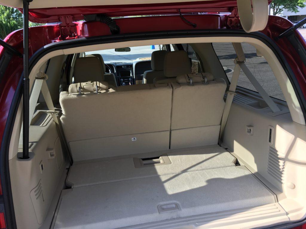 2016 Lincoln Navigator roomy interior
