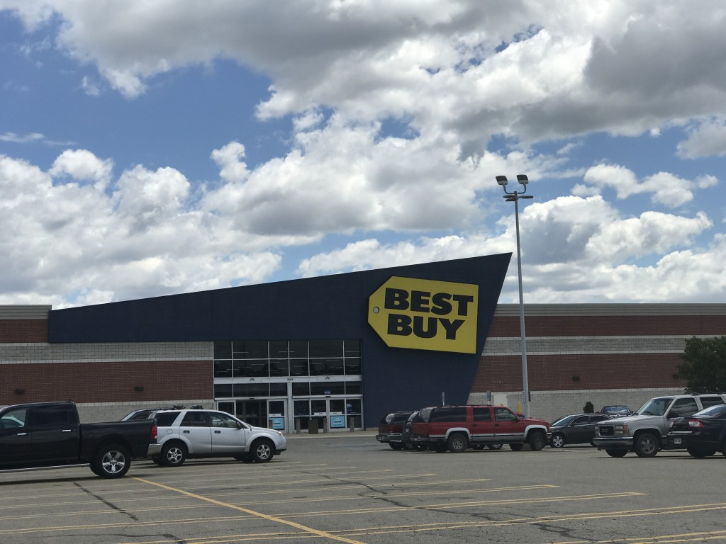Best Buy 1 lot