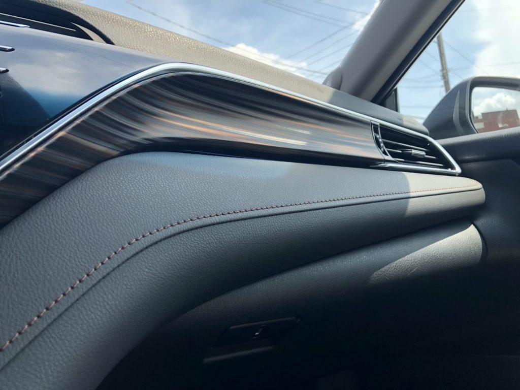 2018 Toyota Camry Hybrid XLE interior